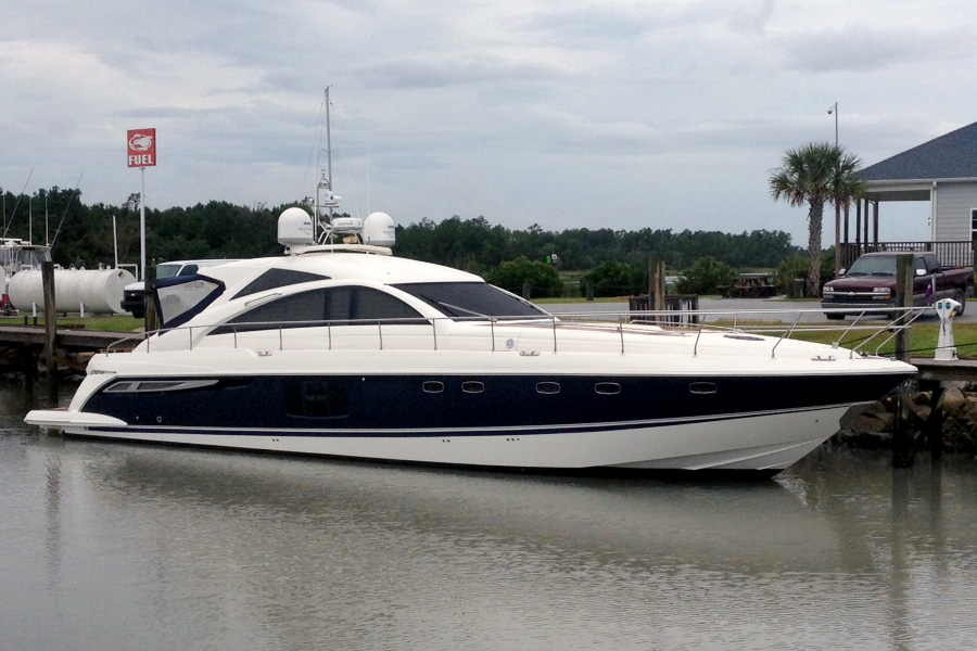 A New Paint Job for a 64' Fairline Yacht