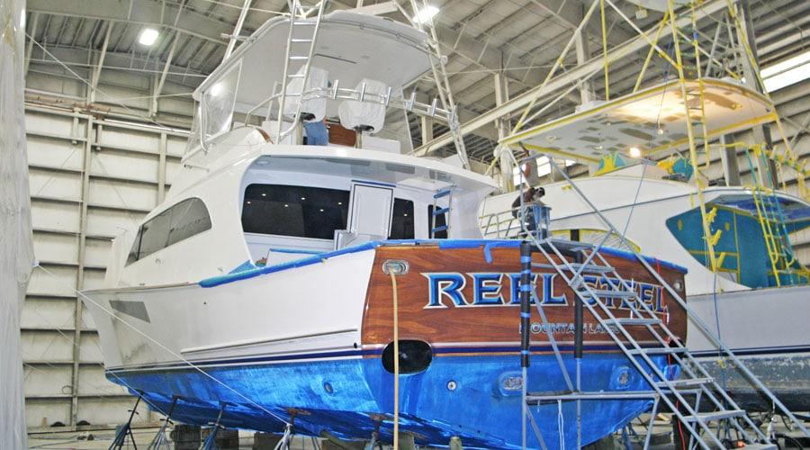 Jarrett Bay Boatworks Earns Refit International Award