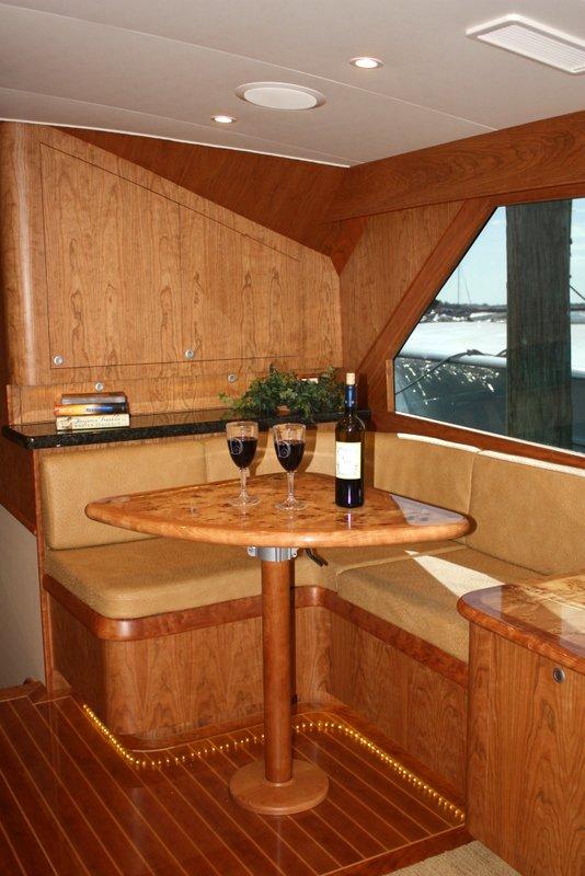 Merveilleux Built Out Cabinets, New Cherry/holly Veneer, Headliner, Carpet, Softgoods