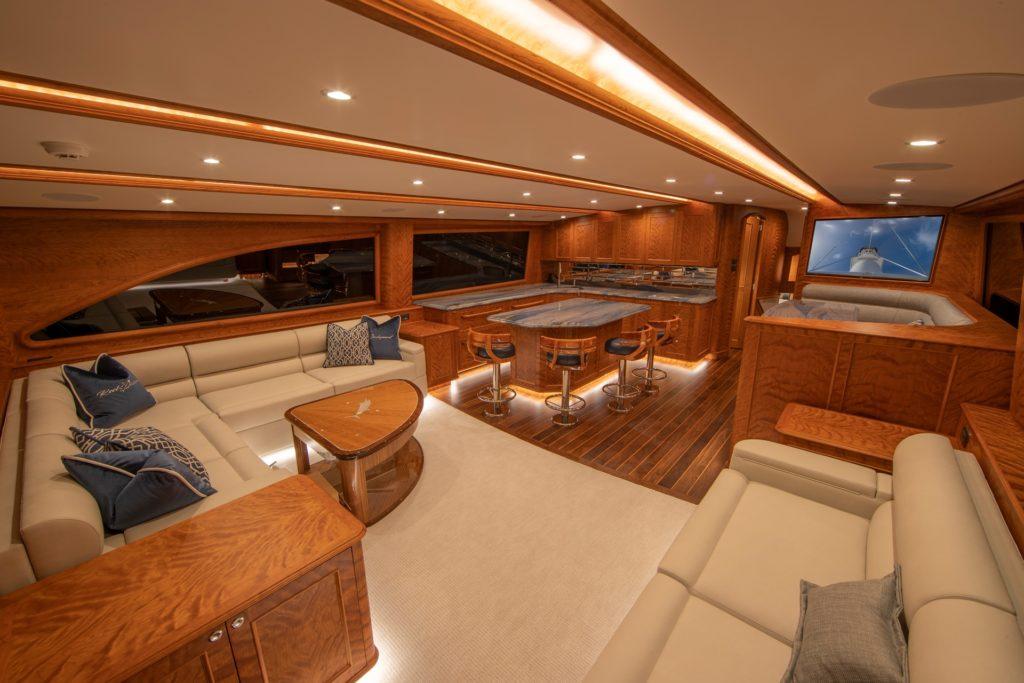Hull 60 interior